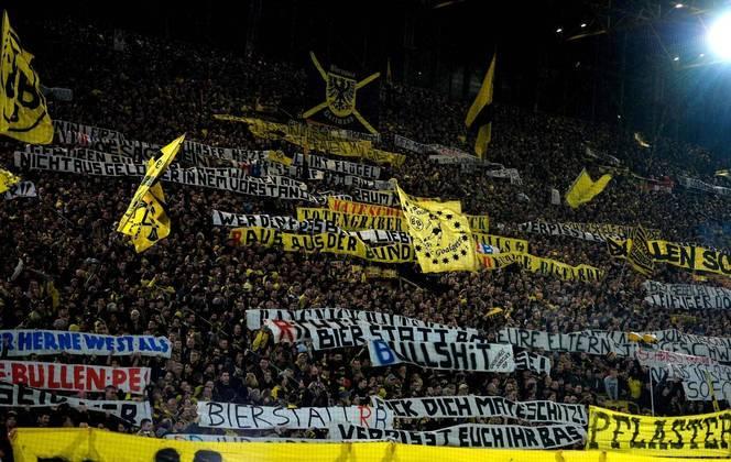 3 - Signal Iduna Park - Borússia Dortmund (Alemanha)