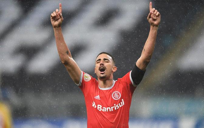 3º: Thiago Galhardo (Internacional) - 40 pontos.