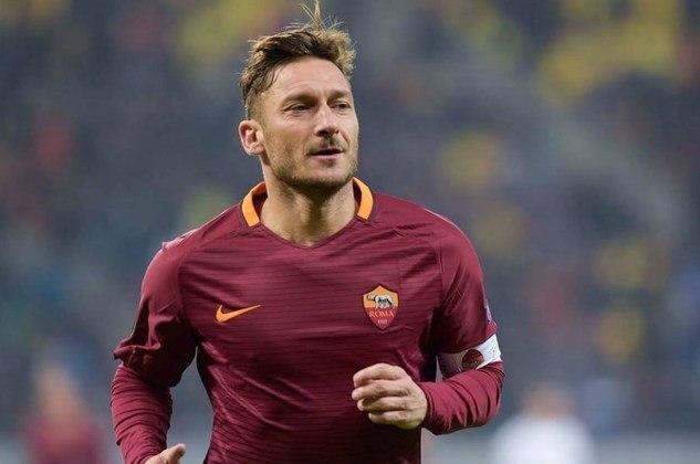3º - Totti - 619 jogos - Clubes que defendeu na Itália: Roma