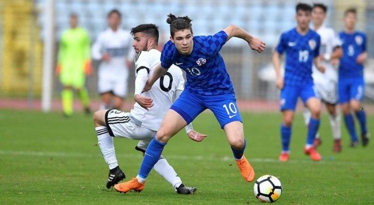 30º - Antonio Marin - Assinou seu primeiro contrato como profissional com o Dínamo de Zagreb em setembro de 2017, apesar do interesse de Milan, Paris Saint-Germain e Juventus. Aos 19 anos, o jovem faz parte da seleção nacional sub-21 da Croácia.