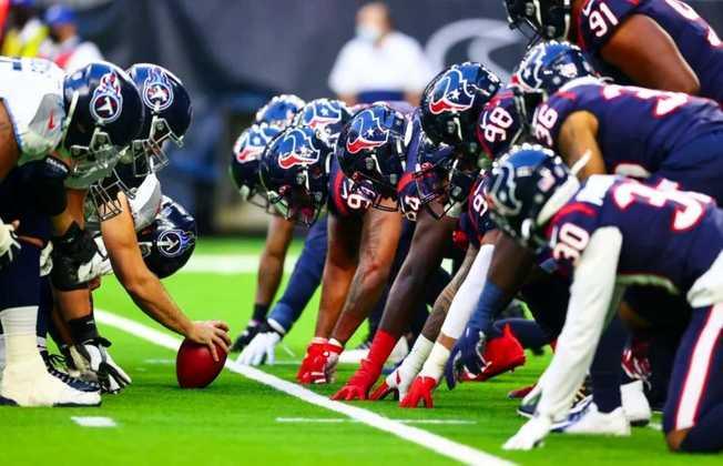 30º Houston Texans (4-12): Uma campanha tenebrosa, permeada por derrotas inexplicáveis na última posse. A cereja no bolo? A escolha de primeira rodada foi trocada para os Dolphins.