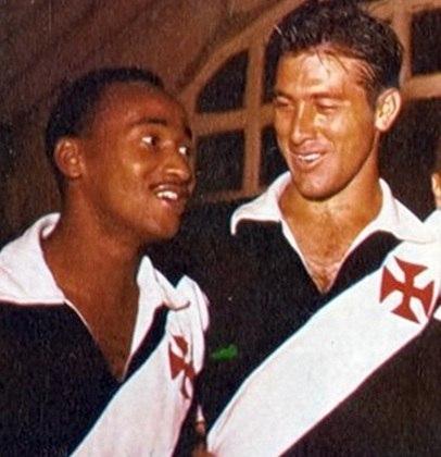 30/06/1957 - Benfica 2x5 Vasco - Gols do Vasco: Válter (na foto junto de Bellini) (2), Sabará, Pinga e Livinho
