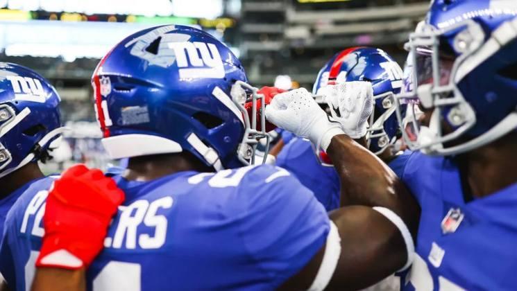 31º New York Giants: Enquanto não consertar a linha ofensiva esse time pouco produzirá. O ano deve ser de sofrimento e com poucas vitórias. A esperança será depositada em Penei Sewell no Draft.