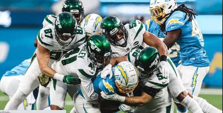 32º New York Jets - O time até tenta, demonstra empenho em alguns jogos. Mas os Jets rumam para terminar 2020 sem nenhuma vitória.