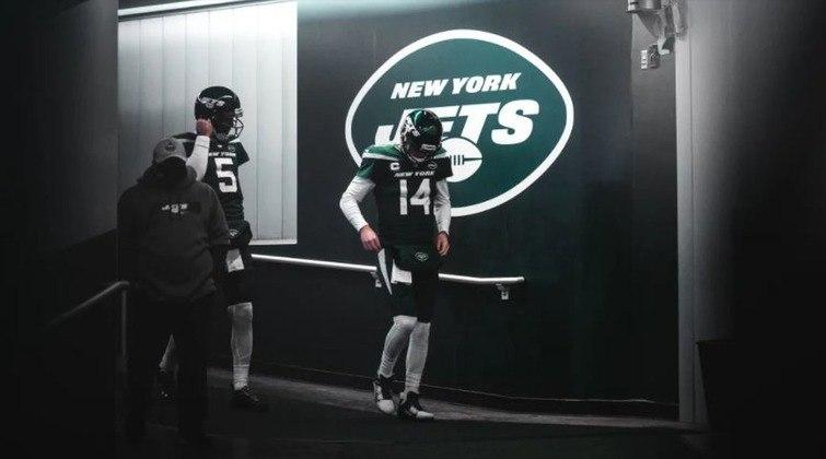 32º New York Jets - Zero blitz em uma situção de hail mary com 14 segundos para o fim do jogo. O resumo da tragédia que é a temporada da franquia.