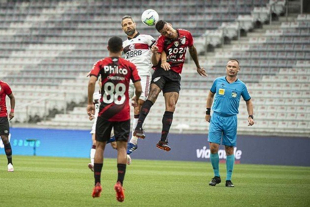 32ª rodada) Athletico 2x1 Flamengo, na Arena da Baixada, em 24 de janeiro de 2021