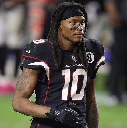 33º - DeAndre Hopkins (Futebol Americano): receita em 2020 - 39 milhões de dólares (aproximadamente R$ 199,79 milhões)