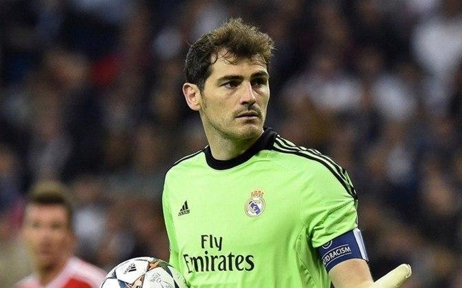 35 - Iker Casillas - País: Espanha - Posição: Goleiro - Clubes: Real Madrid e Porto