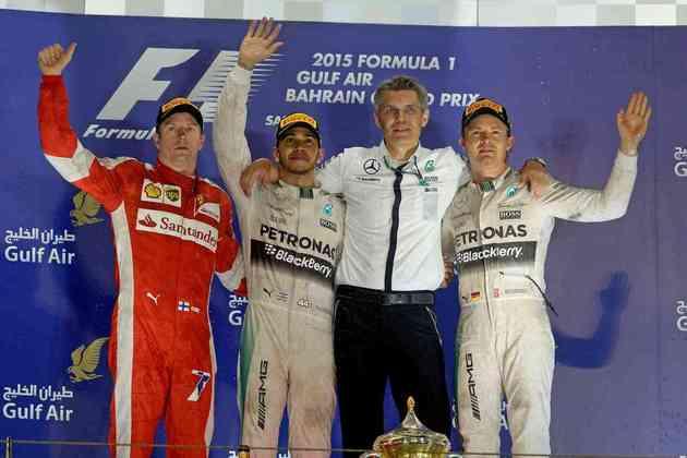 36 - Lewis Hamilton evitou ataques dos rivais para vencer o GP do Bahrein de 2015. A 36ª conquista na carreira