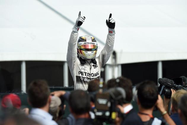 37 - No Canadá, mais uma vez Lewis Hamilton conquistou a vitória e caminhou firme na disputa pelo tri