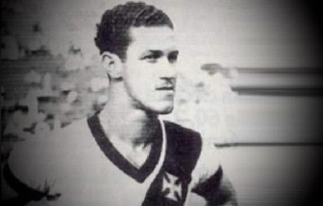 4º - Ademir Menezes - 44 gols - Terceiro maior artilheiro da história do Vasco, chegando ao clube ainda na década de 40, Ademir Menezes também teve tempo de marcar seus gols no Maracanã, tanto pela Seleção Brasileira quanto pelo Cruz-Maltino.