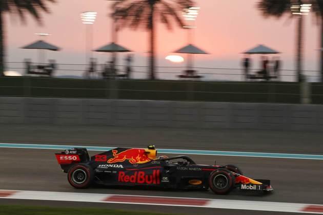 4 - Alex Albon (Red Bull) - 6.32 - Andou em um ritmo aceitável.