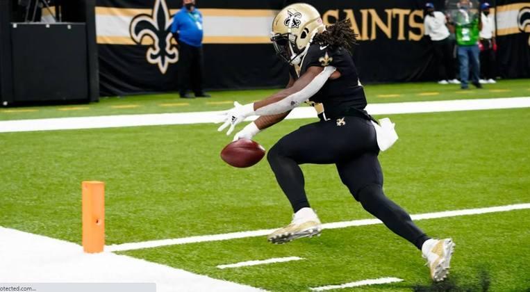 4º Alvin Kamara: Uma das principais armas ofensivas na NFL. Quando ele toca na bola espere grandes coisas.