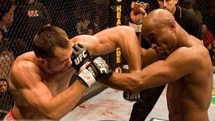 4ª. Anderson Silva x Rich Franklin (UFC 64) - Em outubro de 2006, em sua segunda luta no UFC, Anderson Silva derrotou o então campeão dos pesos médios Franklin e se tornou dono do cinturão da categoria
