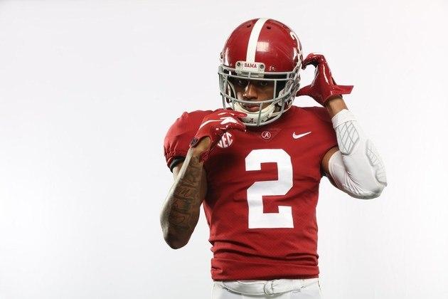4º Atlanta Falcons - Patrick Surtain II (CB/Alabama): A franquia da Geórgia pode ir em muita direção aqui. Aqui, apostamos em defesa, com o corner de Alabama reforçando um setor que foi ponto fraco dos Falcons nos últimos anos.