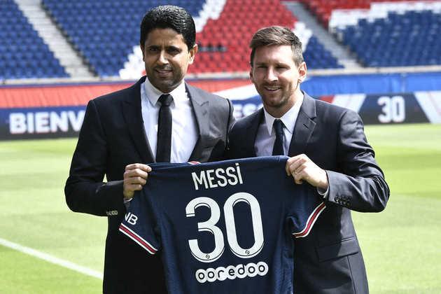 4° colocado - PSG - 59 jogadores contratados - Última aquisição: Messi (sem custos).