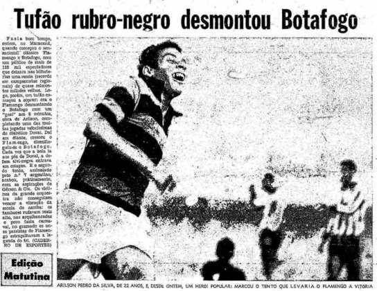 4. Flamengo 2x1 Botafogo - 1/6/69 - Fim de jejum de quatro anos diante do rival e Urubu solto pela torcida rubro-negra no estádio.