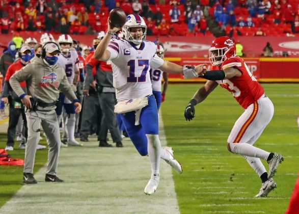 """4. Josh Allen (Buffalo Bills): A grande mudança da água para o vinho da temporada de 2020, Josh Allen era visto por muitos como um """"alerta de bust"""" antes do início da temporada passada."""