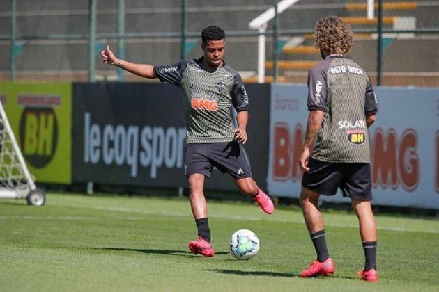 4º - Keno - Atlético Mineiro - 21 dribles