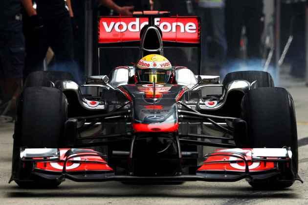 4º) Lewis Hamilton tinha um promissor ano com a McLaren, mas não rendeu o esperado. Anos depois as glórias chegariam