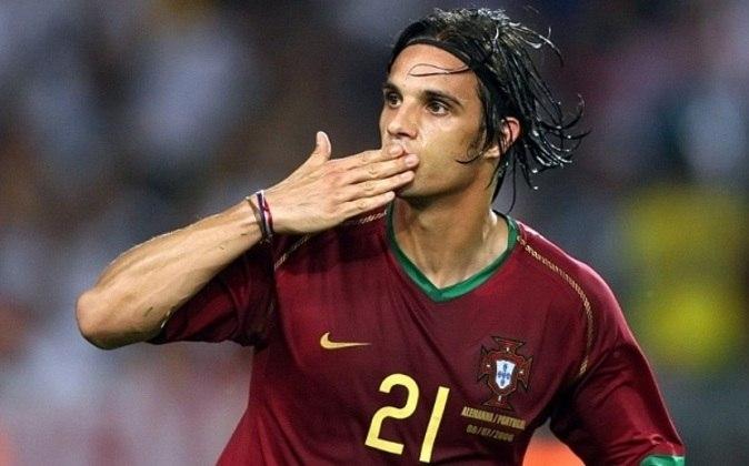 4º - Nuno Gomes - Portugal - 6 gols 14 jogos
