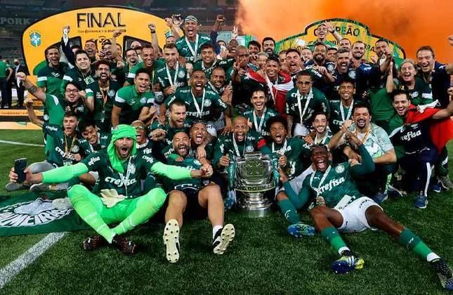 4° - Palmeiras (13,12 milhões de torcedores) - Oito títulos: Uma Libertadores (2020), dois Campeonatos Brasileiros (2016 e 2018), três Copas do Brasil (2012, 2015 e 2020), um estadual (2020) e uma Série B (2013).