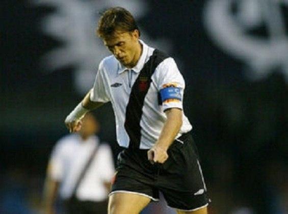 4º – Petkovic – sérvio – 2002-2004 - 28 gols