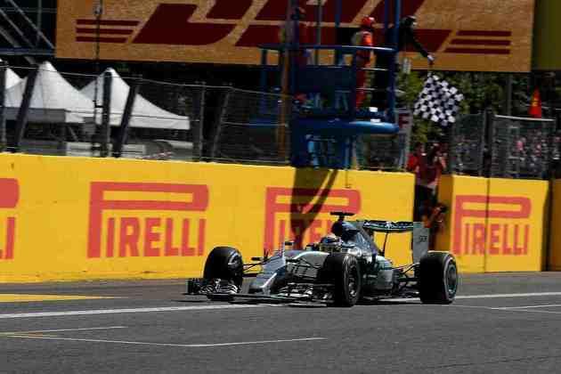 40 - No GP da Itália de 2015, Lewis Hamilton controlou Nico Rosberg para vencer pela quadragésima vez