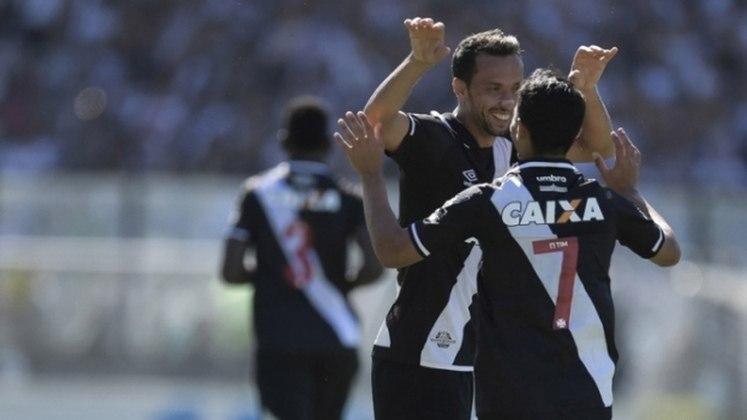 40º - Vasco 1x0 Atlético-GO - Brasileirão 2017 - De falta, Nenê marcou o gol da vitória sobre o Dragão em São Januário