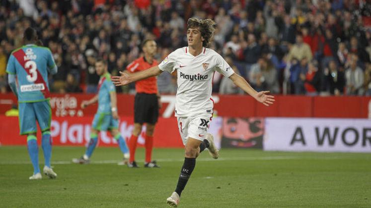 42º - Bryan Gil - Em abril de 2019, o garoto, ainda com 18 anos, se tornou o primeiro jogador nascido no século 21 a marcar em La Liga, depois de ser um dos grandes destaques da seleção espanhola campeã no Europeu Sub-19. Ele está emprestado ao Leganés, mas deve retornar ao clube.