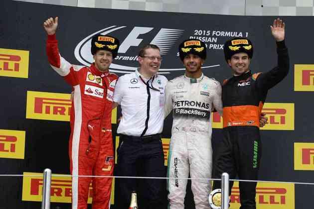 42 - Lewis Hamilton sumiu na frente da concorrência e venceu o GP da Rússia de 2015