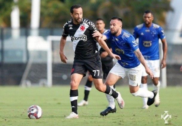45º - Vasco 1x1 Cruzeiro - Série B 2021 - Após boa jogada e cruzamento de Morato pela direita, Cano acertou a trave do goleiro Fábio, e no rebote, o novo camisa 77 do Gigante da Colina marcou o seu primeiro gol desde que retornou ao clube