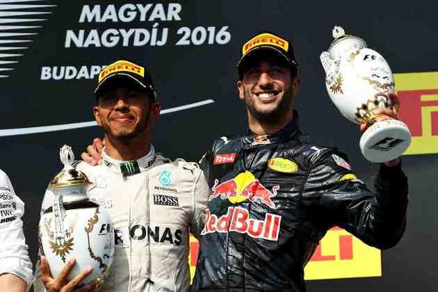 48 - Na Hungria, em 2016, Lewis Hamilton mostrou a força no circuito de Hungaroring. Mais uma vitória incontestável