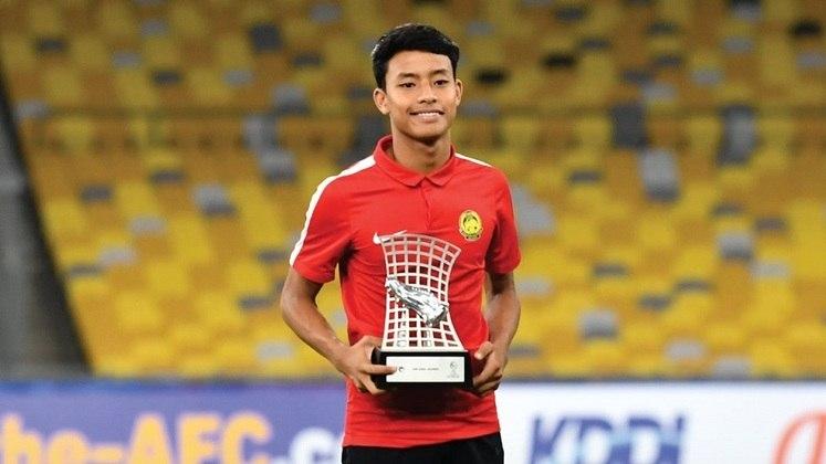 49º - Luqman Hakim - O atacante nascido na Malásia, já fez sua estreia pela seleção principal, mesmo tendo apenas 18 anos, completados em março. O atacante também acabou de chegar à Europa para jogar na equipe belga K.V. Kortrijk, de Vincent Tan, com um contrato de cinco anos.