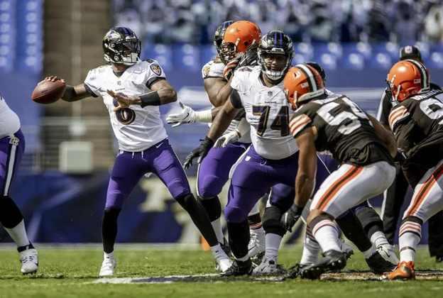 5 - Baltimore Ravens: O duelo contra os Steelers na semana 8 será fundamental para pretensões de Lamar e companhia.