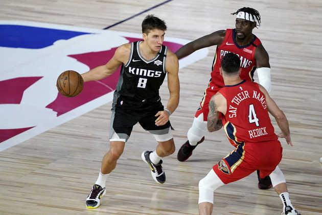 5- Bogdan Bogdanovic (Sacramento Kings): 35 pontos, quatro rebotes, 6-9 em três pontos. O ala-armador saiu de um de seus piores jogos na NBA (três pontos, errando 14 dos 15 arremessos) contra o Dallas Mavericks para o, provavelmente, melhor da carreira na vitória sobre o New Orleans Pelicans na quinta-feira