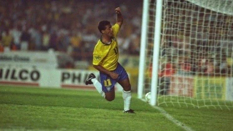 5 - Brasil 2x0 Uruguai (1993) - Partida decisiva para a geração que se consagraria tetracampeã mundial no ano seguinte. A seleção necessitava da vitória para se classificar para o mundial dos Estados Unidos e Romário decidiu, carimbando a vaga para o Brasil.