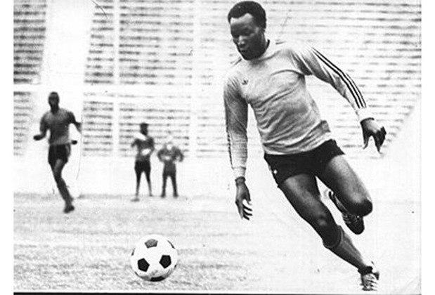 5 – Chitalu - O quinto colocado é o oportunista Chitalu. Ele tem 79 gols em 108 partidas pela seleção da Zâmbia