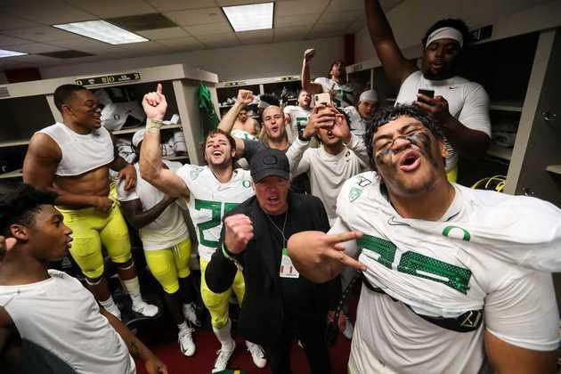 5º Cincinnati Bengals - Penei Sewell (OT/Oregon): Nem a contratação de Riley Reiff, muda a demanda dos Bengals em solidificar a linha. Sewell tem potencial para ser um dos melhores OTs da NFL antes de terminar seu contrato de calouro.