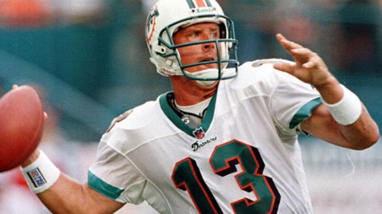 5º Dan Marino - 420 touchdowns