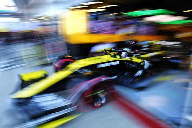 5) Daniel Ricciardo (Renault), 1min26s297