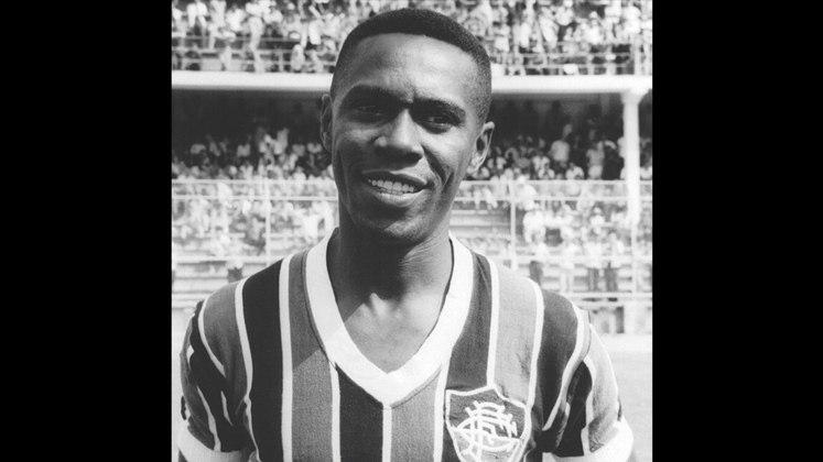 5 - Escurinho (1954 - 1964) - 490 jogos com a camisa do Fluminense.