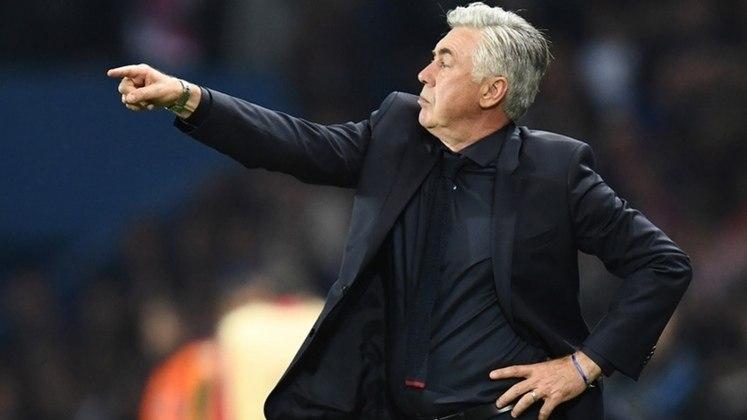 5º - Itália - 27 treinadores.