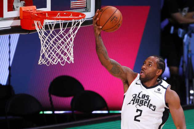 5- Kawhi Leonard (Los Angeles Clippers): 27 pontos, sete rebotes. Não foi aquela performance de saltar aos olhos. Além disso, foi a segunda derrota do desfalcado Clippers em três jogos. De qualquer forma, Leonard não contava que Devin Booker fosse decidir a partida com um arremesso tão difícil para o Phoenix Suns
