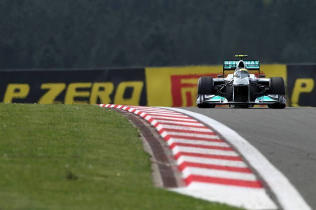 5º) Nico Rosberg se classificou bem com a Mercedes, mas caiu na corrida. Em 2016, foi campeão mundial