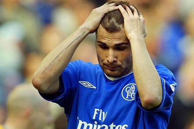 5º - O ex-atacante Adrian Mutu é o quinto colocado da lista. O romeno chegou ao Chelsea em 2003. Porém, fez somente dez gols em 38 partidas pelos Blues e deixou o clube por problemas disciplinares