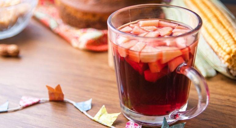5 receitas de bebidas típicas de Festa Junina