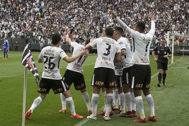 5/11/2017 - Corinthians 3 x 2 Palmeiras - 32ª Rodada Brasileirão-2017: O Verdão estava em melhor fase no campeonato e pronto para tomar a ponta do Timão, que mais uma vez se superou e venceu, sedimentando o caminho para o título brasileiro. Dérbi ficou conhecido pela