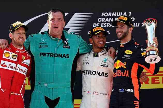 55 - Lewis Hamilton superou Sebastian Vettel na pista para conquistar o GP da Espanha de 2017