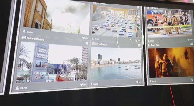 Centro de controle integra câmeras espalhadas pelas ruas com polícia, bombeiro e hospitais
